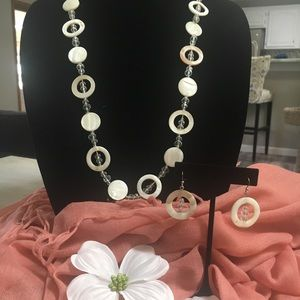 Jewelry - Circle necklace and earring set - off-white